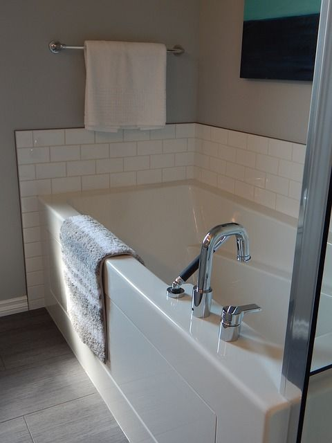 Bathtub clean_RenoQuotes.com