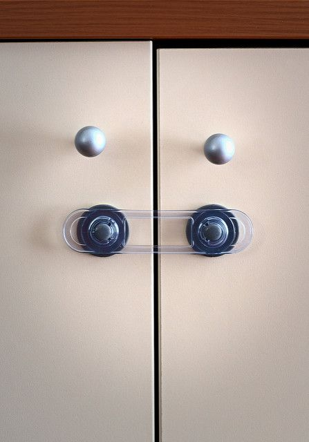 Child proofing home door handles