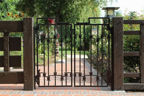 Swing house gate_RenoQuotes.com